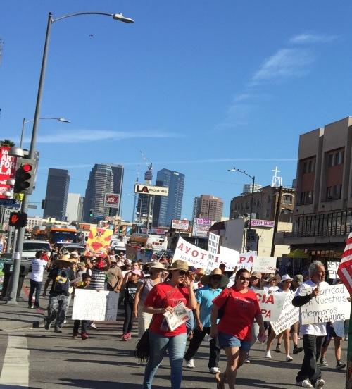 Marcha por Ayotzi en LA